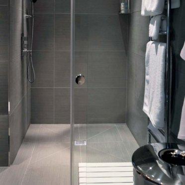 Piatto doccia a filo - Doccia senza piatto doccia ...